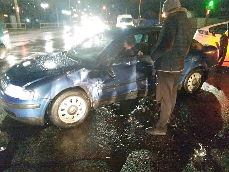 На Брацлавській поліцейський Renault Duster потрапив у ДТП (Фото)