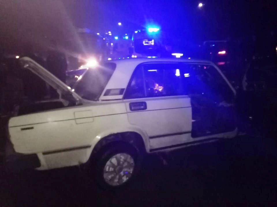 У Тульчині BMW зіштовхнулося з ВАЗом. Двоє людей у лікарні (Фото)