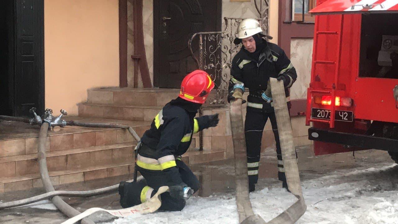 На площі Гагаріна горіла квартира (Фото+Відео)