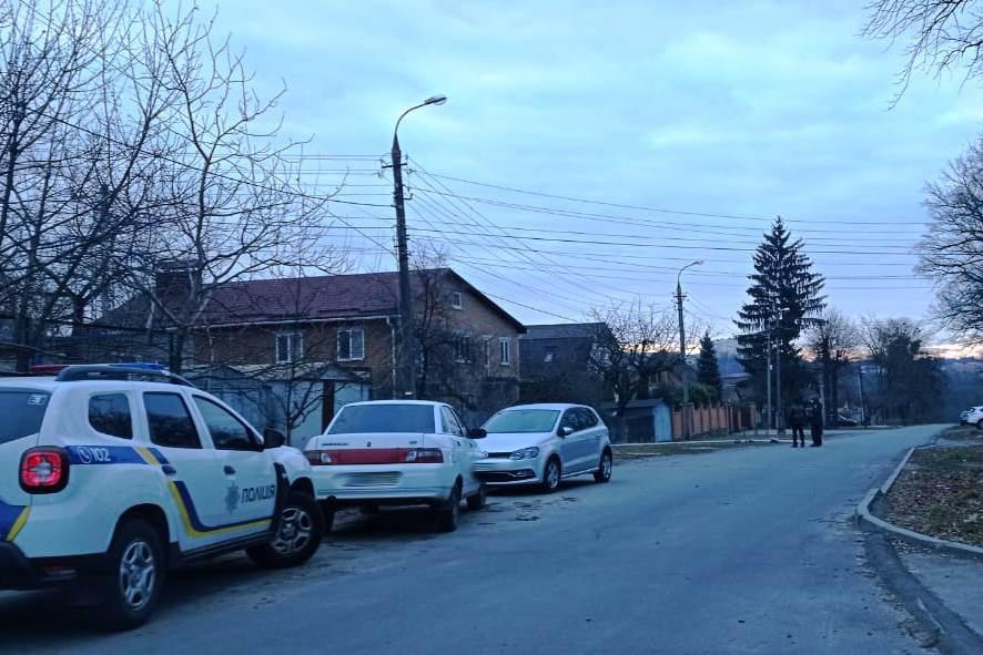 У Вінниці чоловік погрожував підірвати родичку гранатою. КОРДу довелося штурмувати будинок (Фото)