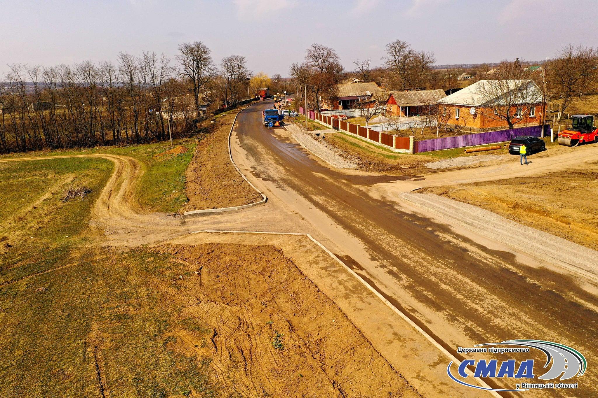"""На Вінниччині відновили ремонт дороги """"Гайсин-Теплик"""" (Фото)"""
