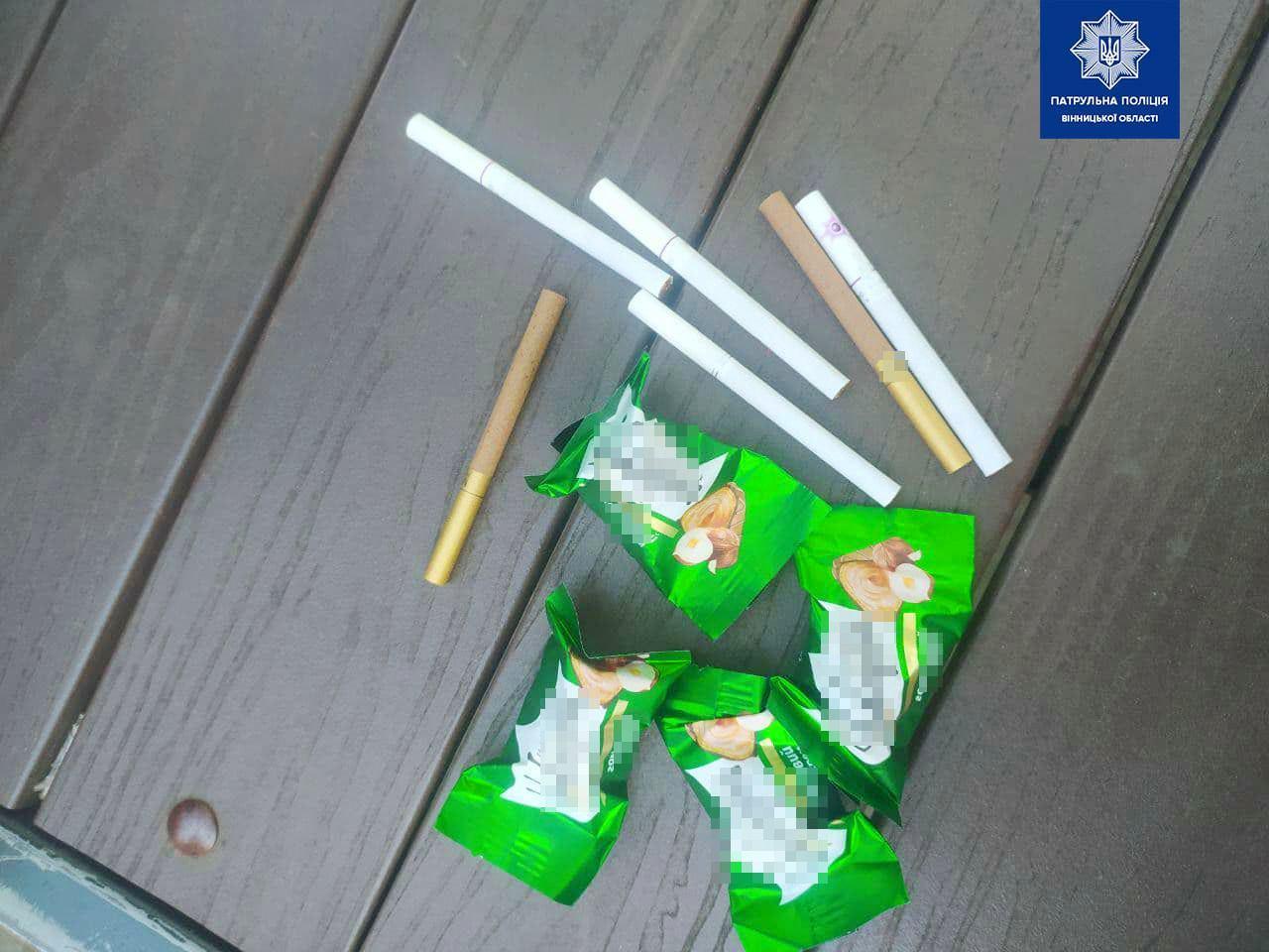 """У Вінниці провели акцію """"Обміняй цигарку на цукерку"""" (Фото)"""