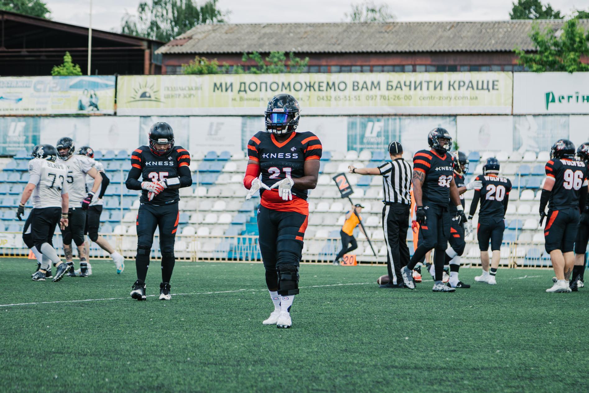 «Вінницькі Вовки» розгромили столичних «Слов'ян» на чемпіонаті України з американського футболу (Фото)
