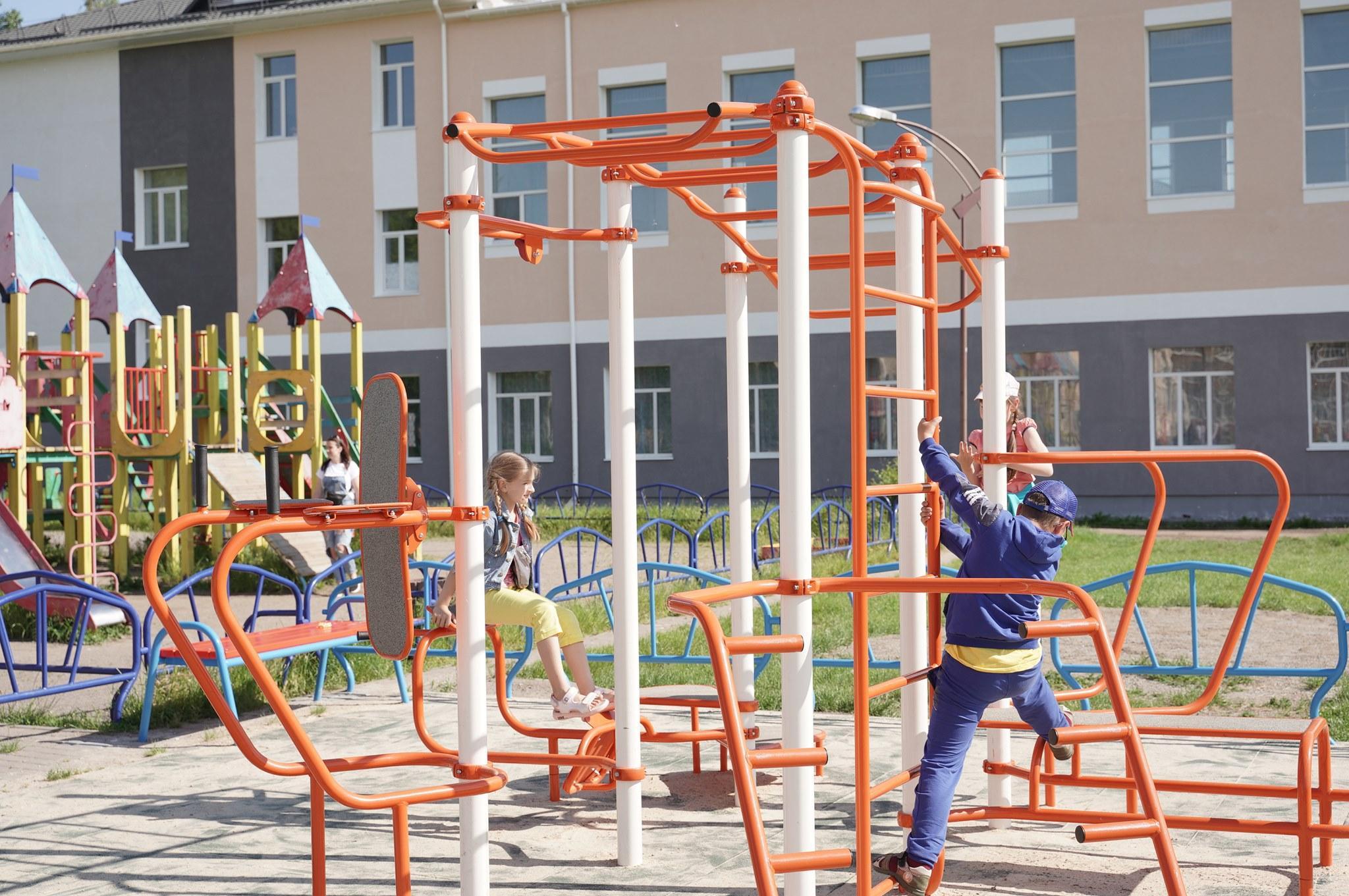 На Тяжилові побудували новий спортивниймайданчик (Фото)