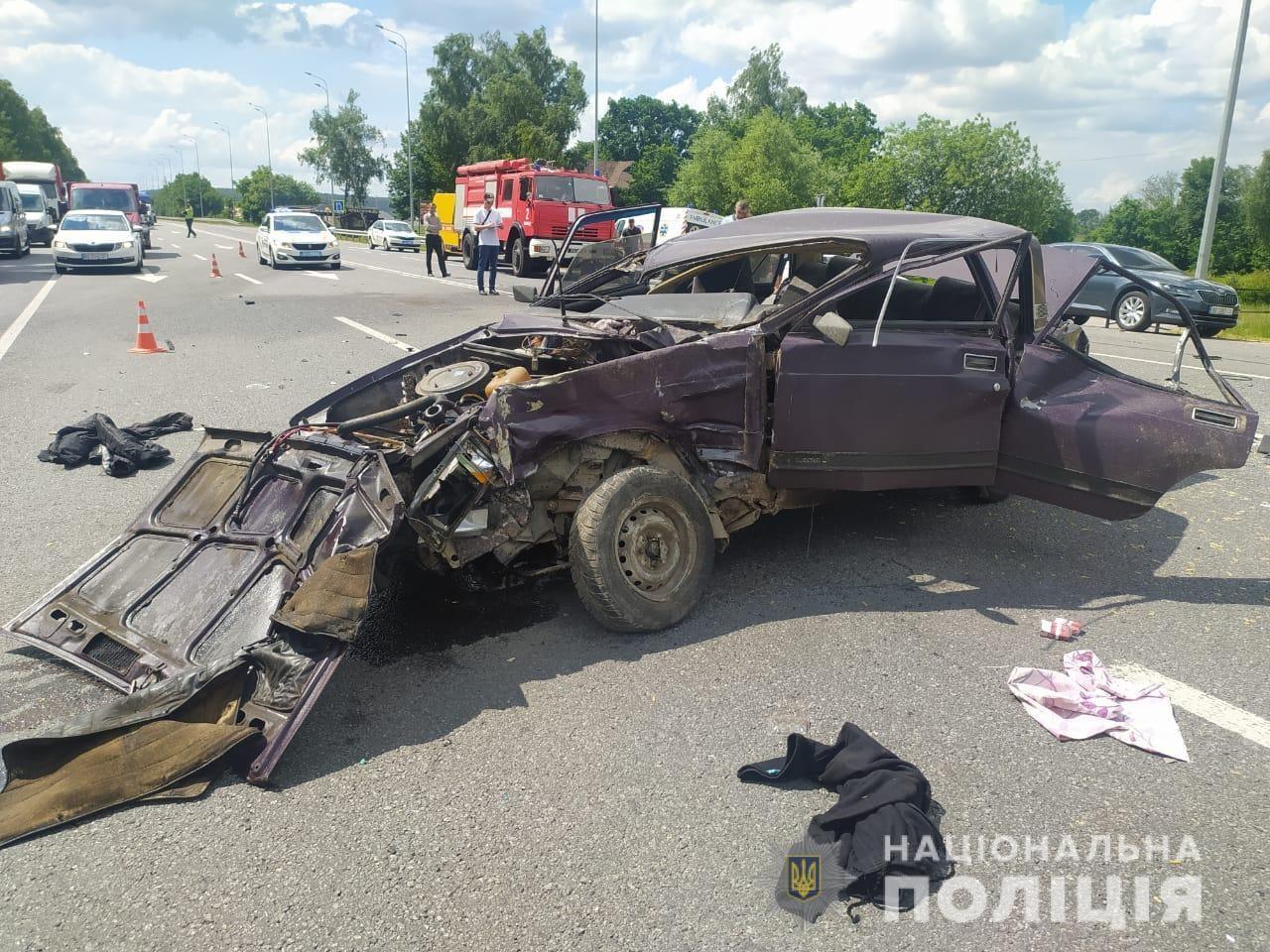 На об'їзній біля Вінниці смертельна ДТП. Позашляховик зіштовхнувся з
