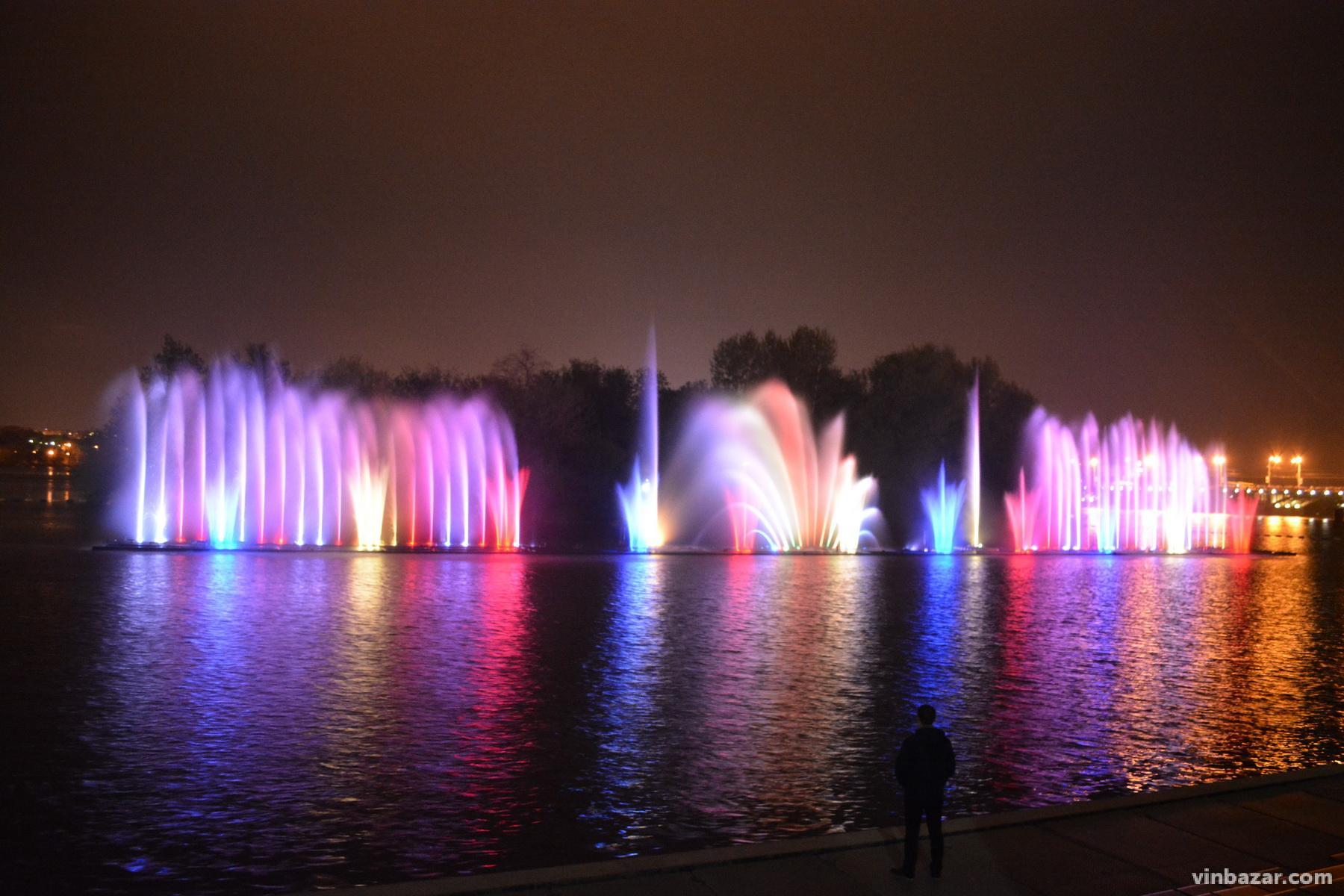 Графік роботи фонтану Roshen у 2021 році