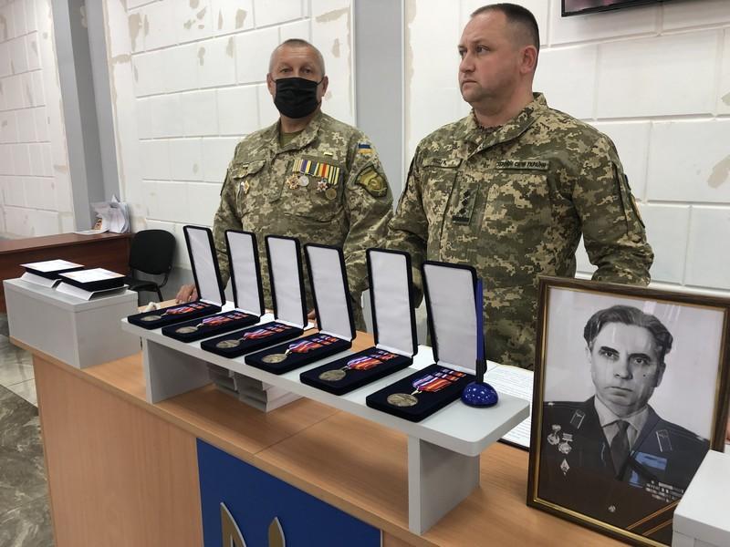 Чехія передала медалі для ветеранів з Вінниччини, які звільняли країну від нацистів (Фото)
