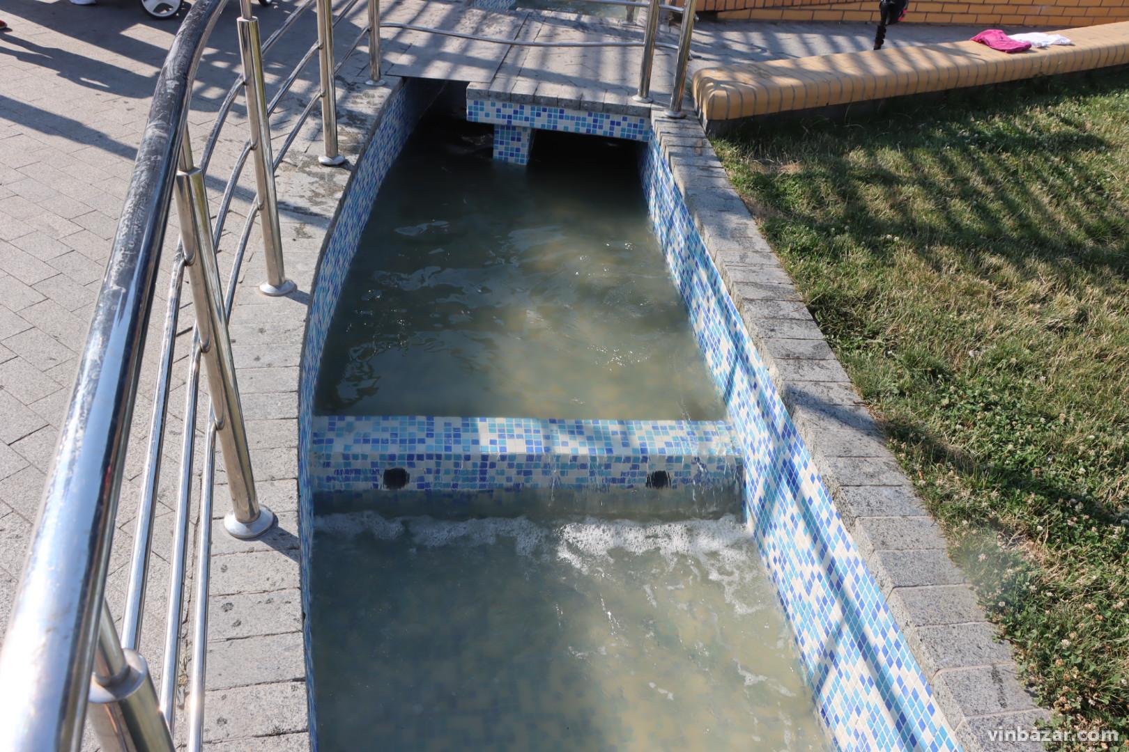У Вінниці після ремонту запустили фонтан з планетами (Фото)