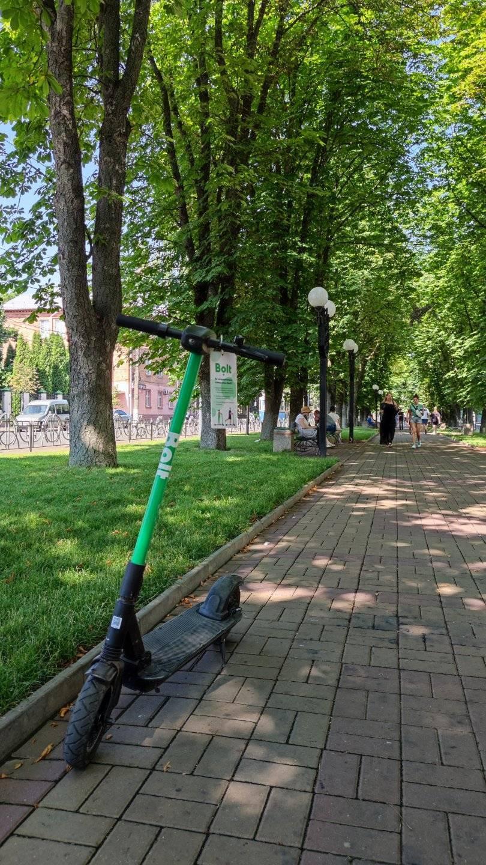У Вінниці ще два сервіси запустили прокат електросамокатів (Фото)