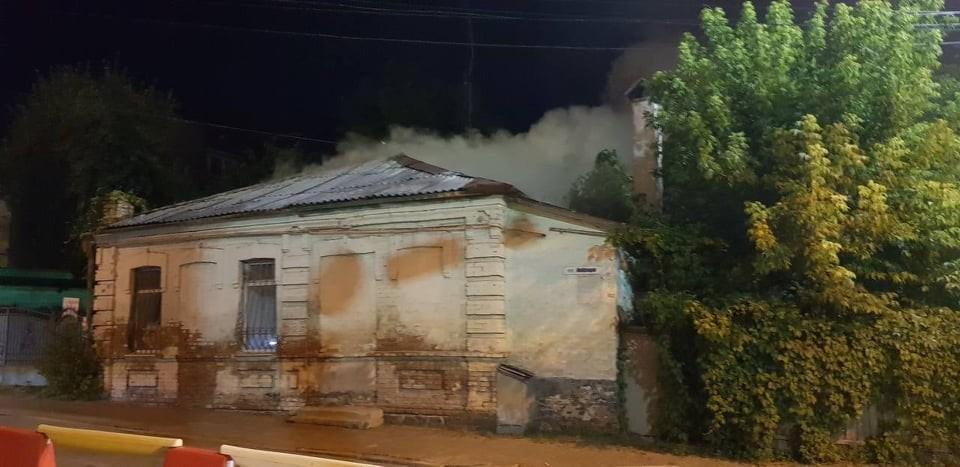 На вулиці Князів Коріатовичів горів житловий будинок (Фото)