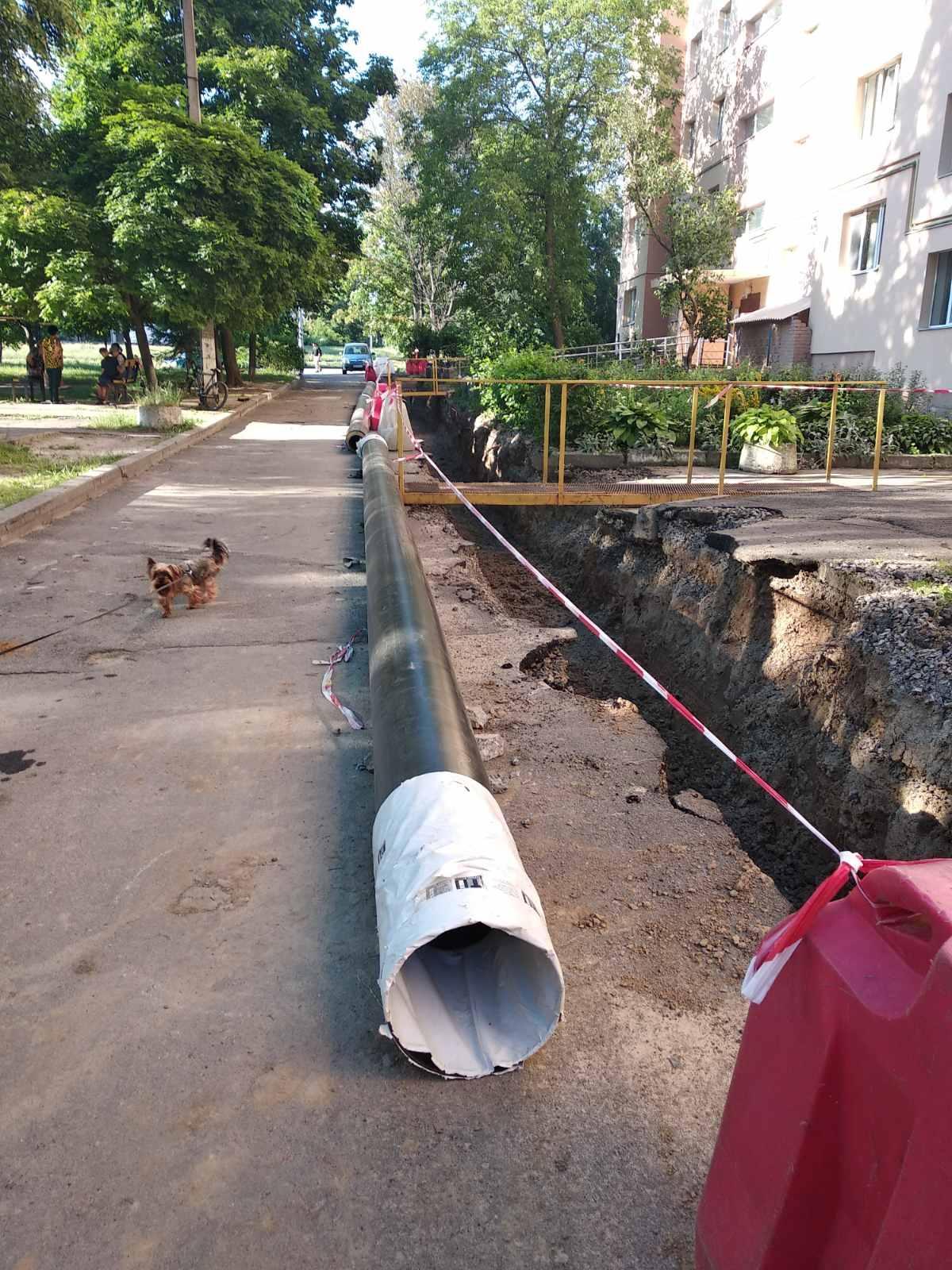 У мікрорайоні «Вишенька» проводять реконструкцію водогінних та каналізаційних мереж