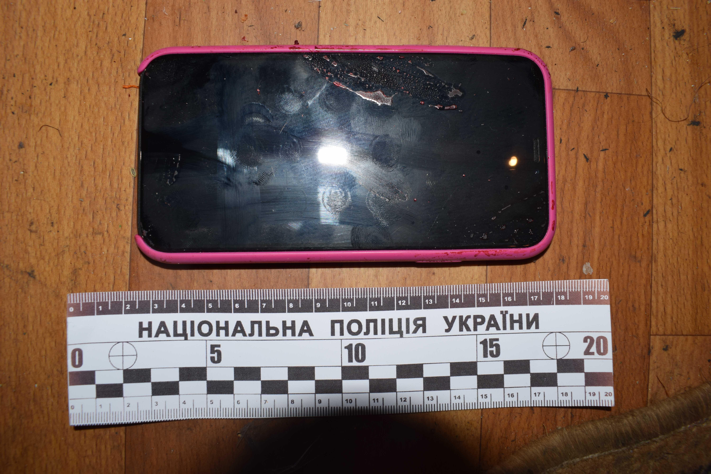 У Вінниці зарізали 20-річну дівчину. Ймовірного вбивцю знайшли повішаним (Фото)