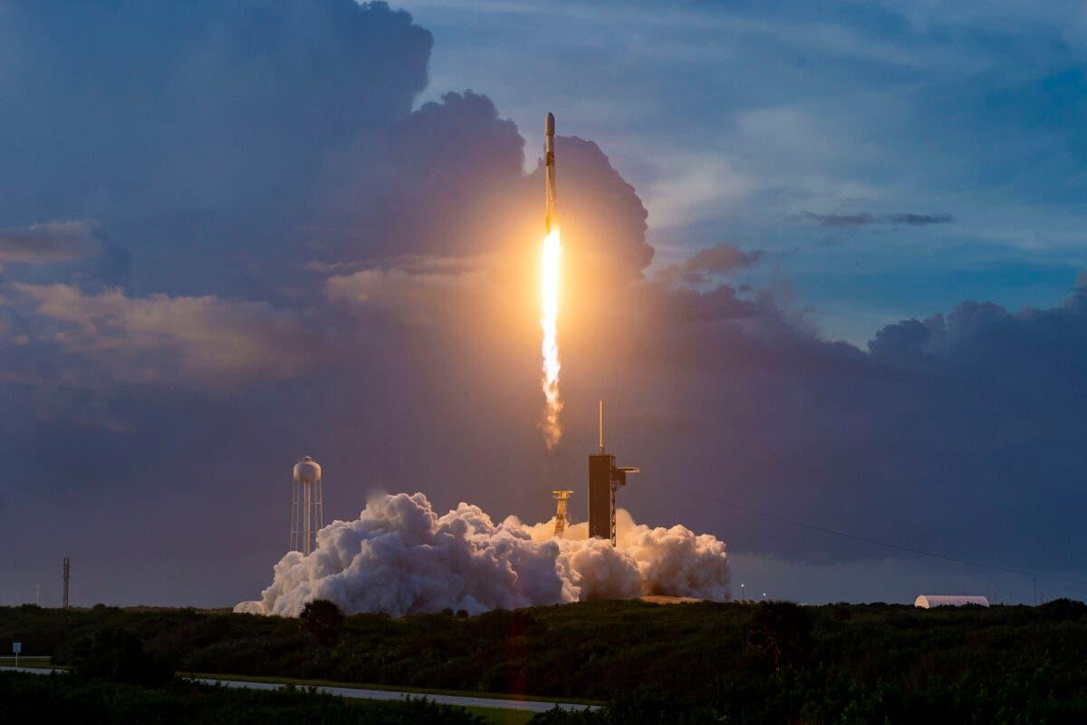 Amazon препятствует SpaceX в развёртывании Starlink