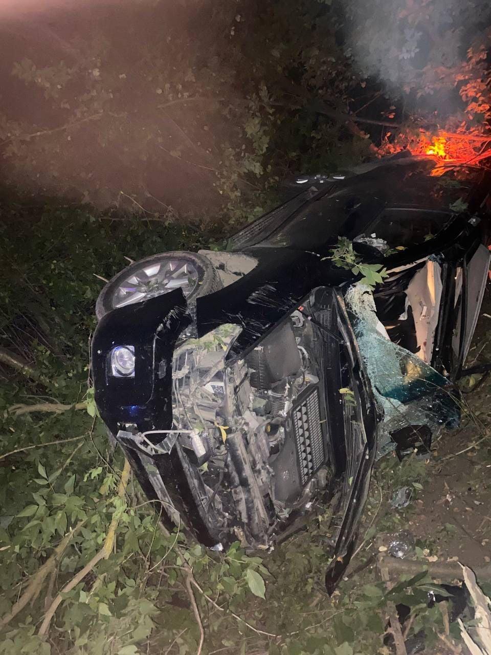 У Жмеринському районі позашляховик злетів з дороги. Постраждав водій (Фото)