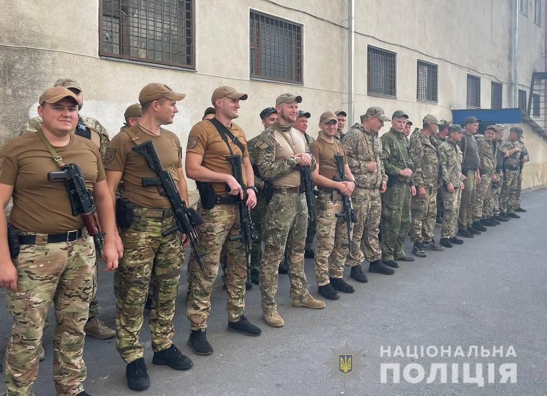 У Вінницю із зони ООС повернулися бійці зведеного загону поліції (Фото)