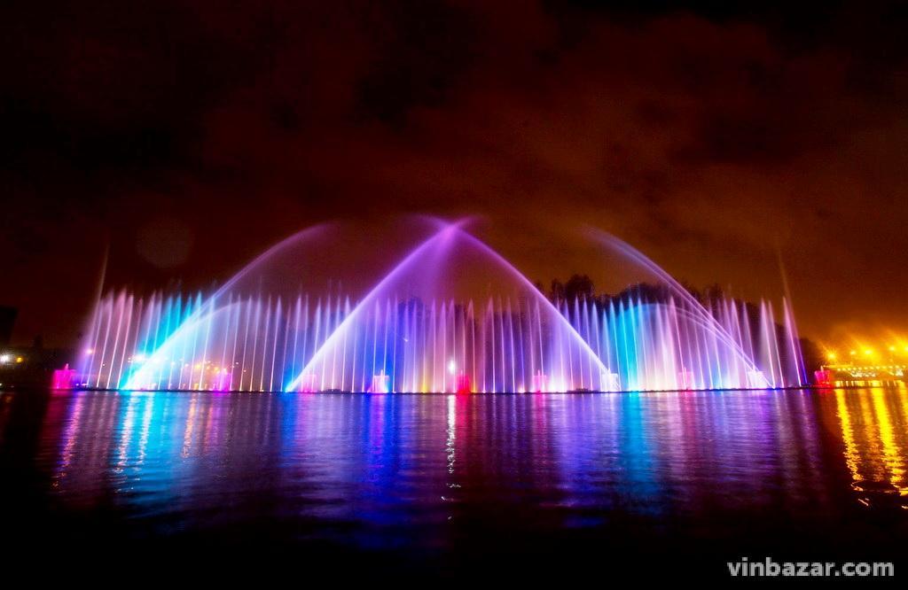 10 років тому у Вінниці вперше запустили фонтан Roshen. Історія водограю у світлинах (Фото)