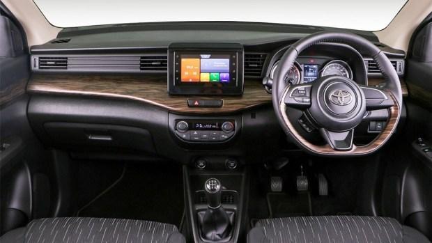 Компания Toyota представила трёхрядный компактвэн от Suzuki