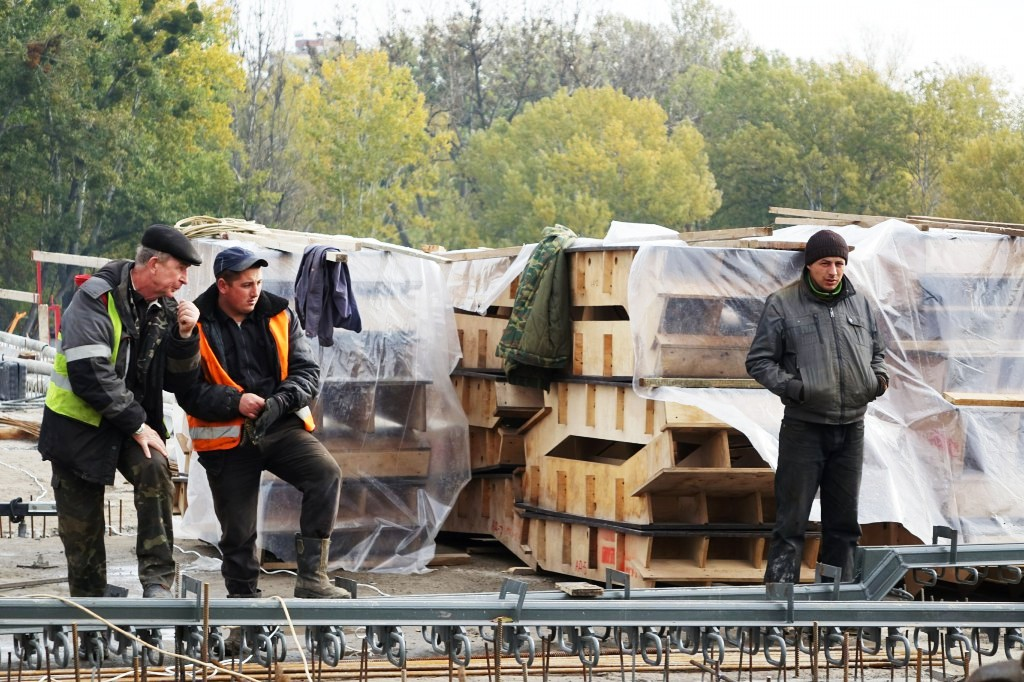 7 місяців ремонту Київського мосту - репортаж з будівництва (Фото)