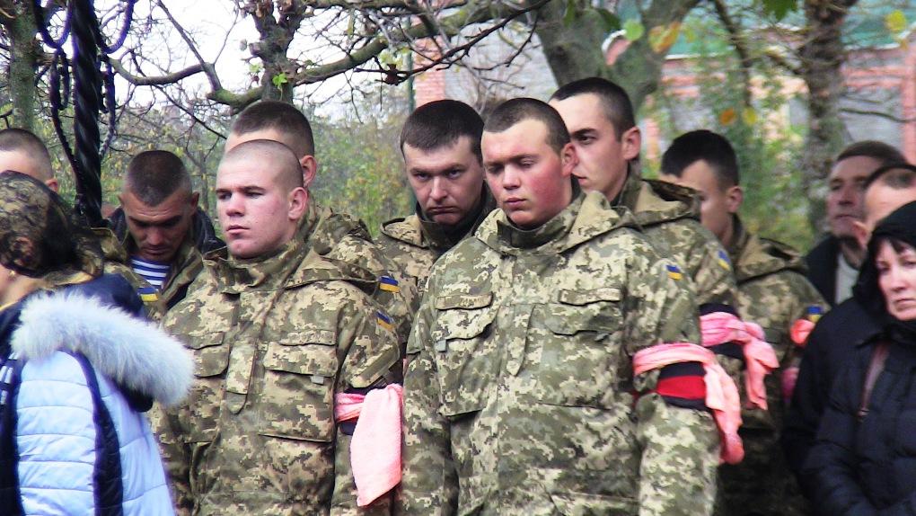 На Вінниччині попрощалися з бійцем, який загинув у зоні АТО (Фото)